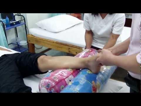 การเจริญเติบโตของนิ้วหัวแม่มือบนเท้าของเขา