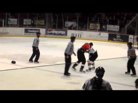 Tommy Lafontaine vs Adam Leblanc-Bourque