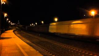preview picture of video '[ČD Cargo] Czech freight train passing eastvards through Praha-Kyje station'