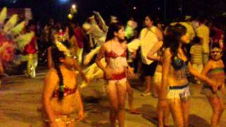 preview picture of video 'Santiago del Estero - Desfile de comparsa - Carnaval 2011 - pat2.MP4'