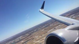 United Airlines Boeing 737-900 windy takeoff from ICT