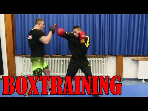 Boxtraining vom Kickbox Weltmeister - David Ruessel wird gecoacht