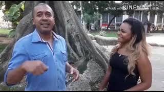 """Entrevista de Julio Bombinha para o programa """"É Top"""", com a apresentadora Danny Mel. Vale"""