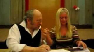 pristavat-v-metro-video-anal-s-samantoy-foks-porno
