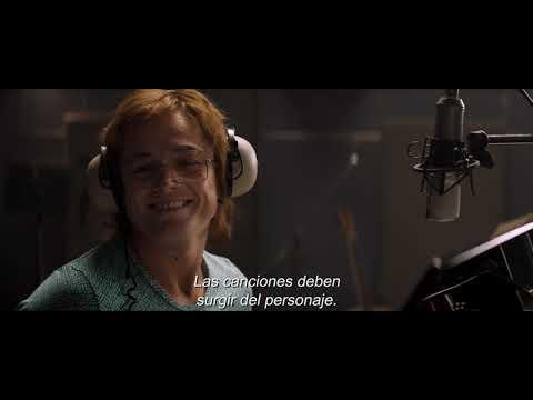 FEATURETTE TARON SINGS