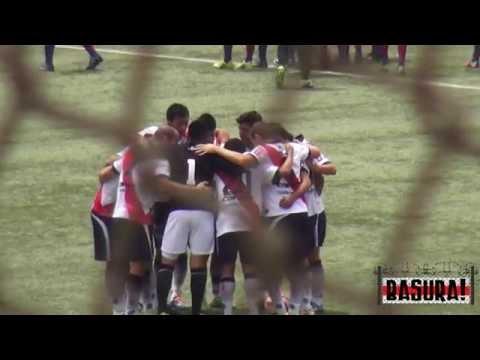 """Basura! 29: Deportivo Municipal 2 - Alianza Universidad 0"" Barra: La Banda del Basurero • Club: Deportivo Municipal"
