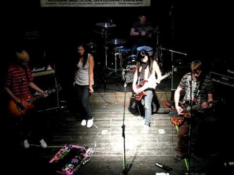 Lost Line - Denny a Falling down live Plzeň Můza 2009