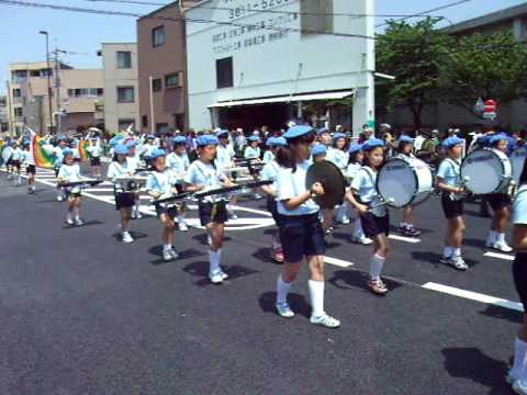 平井小学校 鼓笛隊