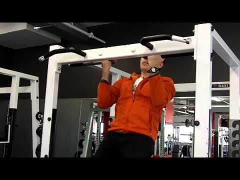 Le bodybuilding de la femme les popes