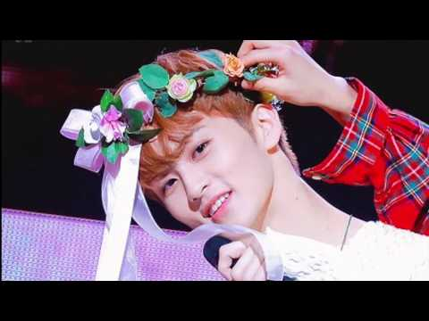 Kpop idols BUT with flowers 🌼