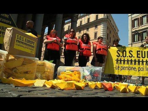 Italie : un flashmob organisé par Amnesty International demande à l'Europe plus d'aide aux migrants