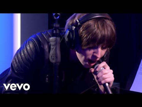 Catfish and the Bottlemen - Black Skinhead (Kanye West cover in the Live Lounge)