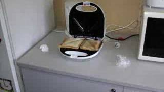 Stop Motion - Self cooking jaffle
