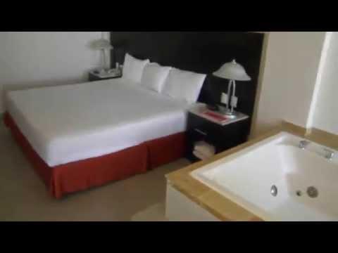 Crown Paradise Club Cancun Room Review – April 2014