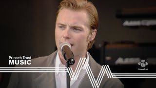 Boyzone - Love Me For A Reason (The Prince's Trust Party In The Park 1999)