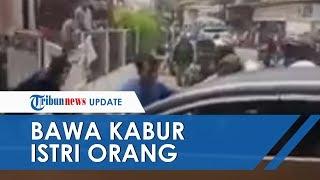 Bawa Kabur Istri Orang, Mobil Pelaku Dihancurkan Massa seusai Tabrak Sejumlah Pengendara Lain