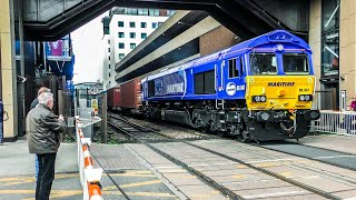 Trains At Lincoln Central   080419