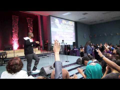 Prophetic  Encounter Tasha Cobbs - Break Every Chain