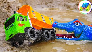 Hand spider punish crocodile rebuilds the bridge for the cars - Toys for kids - Kid Studio
