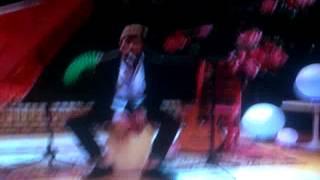 """Диего Домингес, Диего поёт """"Ser mejor"""" на The U-Mix Show"""