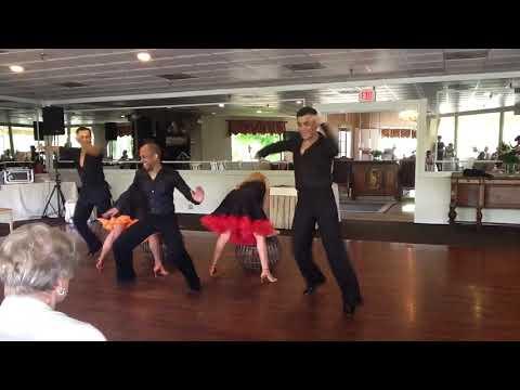 Fun salsa/ Cha Cha formation Routine