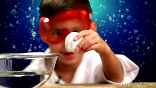 Angry Birds Fizz Egg - Science Experiment and Tutorial using Baking Soda and Vinegar PART 1