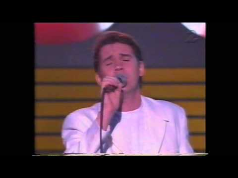 Johnny Logan - Long Lie the Rivers , Live Momarkedet , Norway 1993 , 720p