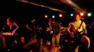 Chiodos- Two Birds Stoned At Once LIVE at The Living Room