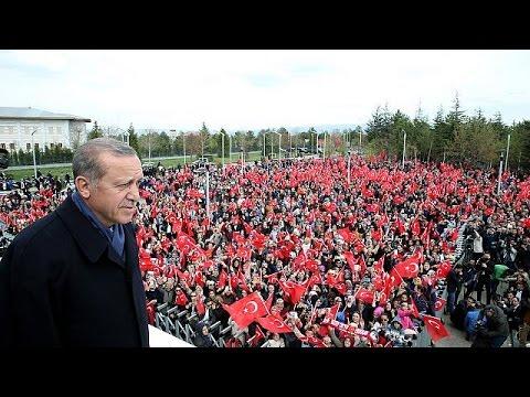 Ανοικτό παράθυρο για επαναφορά της θανατικής ποινής αφήνει ο Ερντογάν