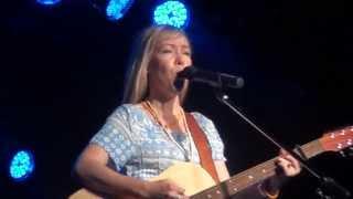 Felicity Urquhart & Glen Hannah - Hard Promises To Keep
