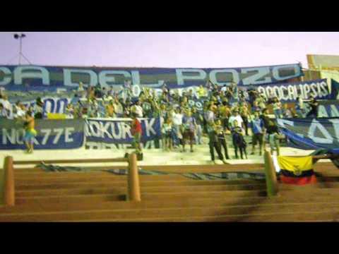 La felicidad y el fervor de los ecuatorianos al ver a su equipo se sintió en todo el estadio