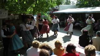 preview picture of video 'Miklós Néptáncegyüttes , 2013 09.28. Borostyán Tájház , Törökszentmiklós. 4.'