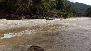 preview picture of video 'Sungai Bahau,  Kec Pujungan, Kab Malinau Kalimantan Utata'