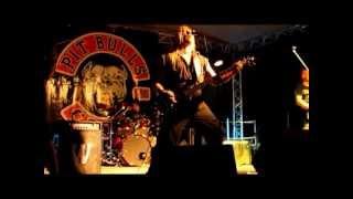 Video MASTABA - Howling Pitbulls 2012