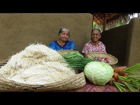 Veg Noodles Recipe ❤ Chilli Garlic Hakka Noodles prepared by Grandma and Mom | Village Life