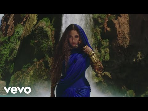 "Beyonce – ""Spirit"" & ""Bigger"" (The extended cut from Disney's The Lion King)"