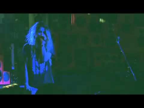 """Sky Ferreira - """"17"""" (Hilfiger Denim Live)"""