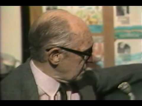 Carlos Drummond de Andrade revela seus gostos e fala de Itabira (1981)