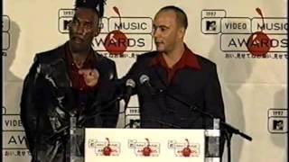 Dave Matthews Boyd Tinsley backstage interview 9x4x1997 video awards
