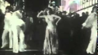 Video Dance A Little Bit Closer de Charo