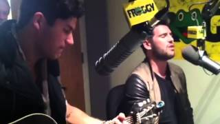Dan + Shay sing Stop Drop and Roll at Froggy