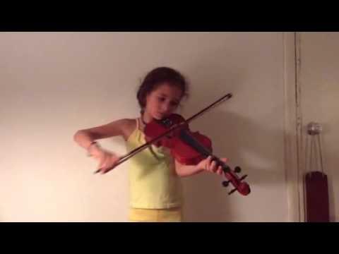 Niña tocando Violín ( Estrellita )