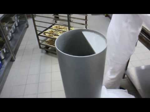 Как делают панировочные сухари. Сухаредробилка.