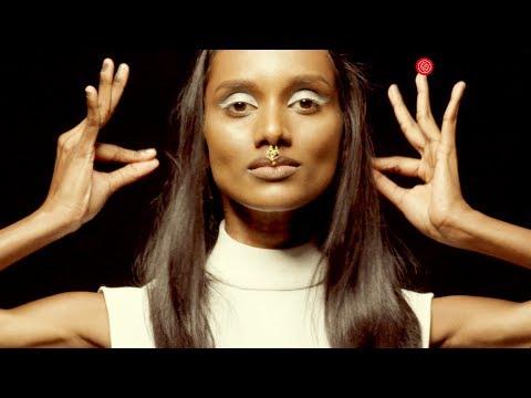 Dancing With Myself : Siri Fesyen STAIL.MY Merai Penari-Penari Malaysia!