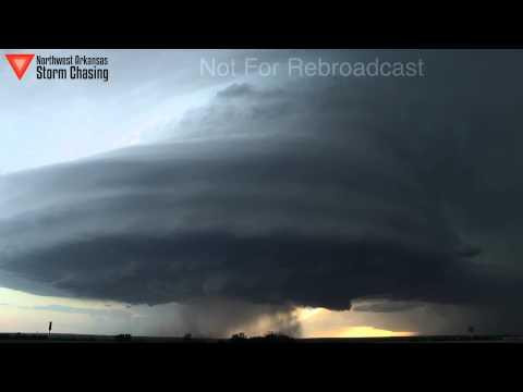 تصوير مدهش لتقدم العاصفة بتقنية Time Lapse