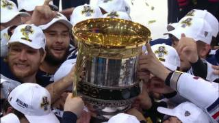 Mozyakin and Zaripov raise the Gagarin Cup over the heads