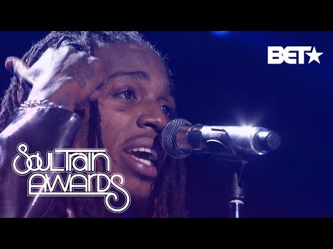 "Jacquees Serenades The Crowd With ""B.E.D"" And ""You"" 