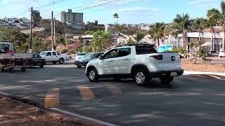 Prefeitura muda trânsito na JK e motoristas reprovam