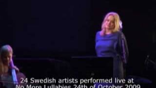 Ane Brun and Benny Andersson performing SOS