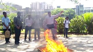 How to use a fire extinguisher.(Hindi)